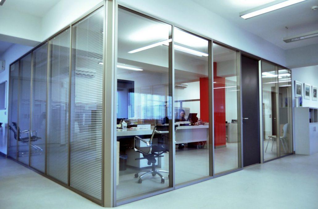 ikiqat şüşəli venetian pərdələr ofis bölmə profil 8cm